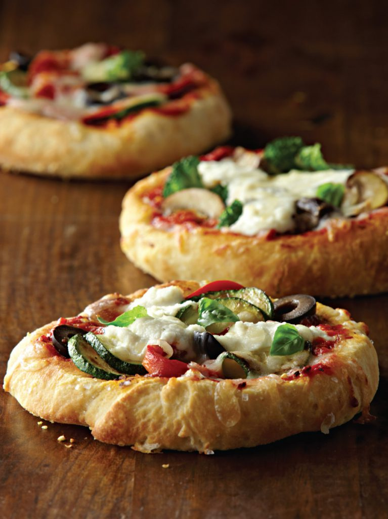 Assorted mini pizzas with mozzarella and ricotta galbani for Italian canape ideas