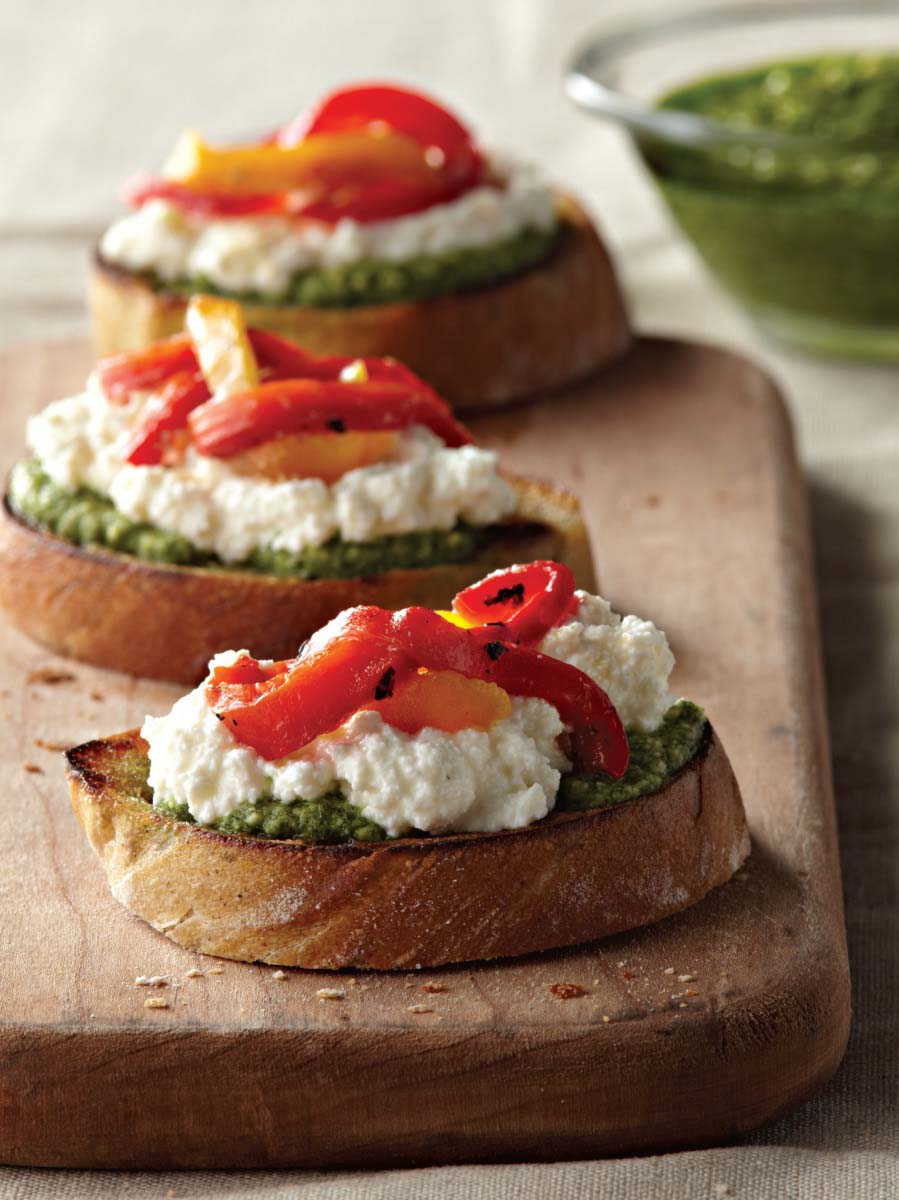 Crostini with Ricotta, Basil Pesto, and Roasted Peppers ...