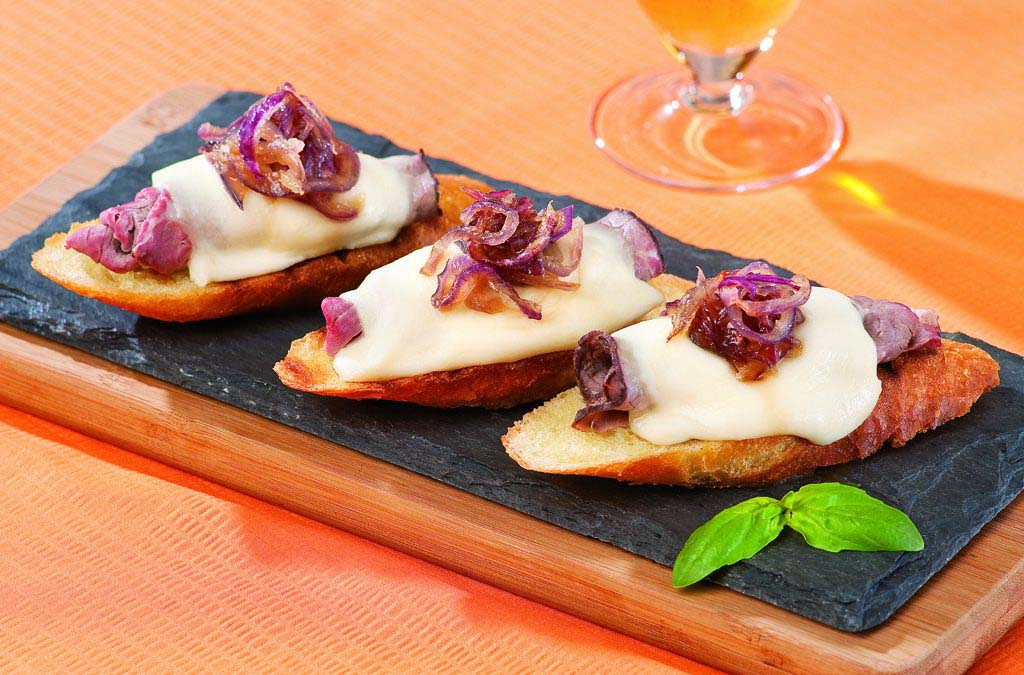 Steak and Cheese Crostini