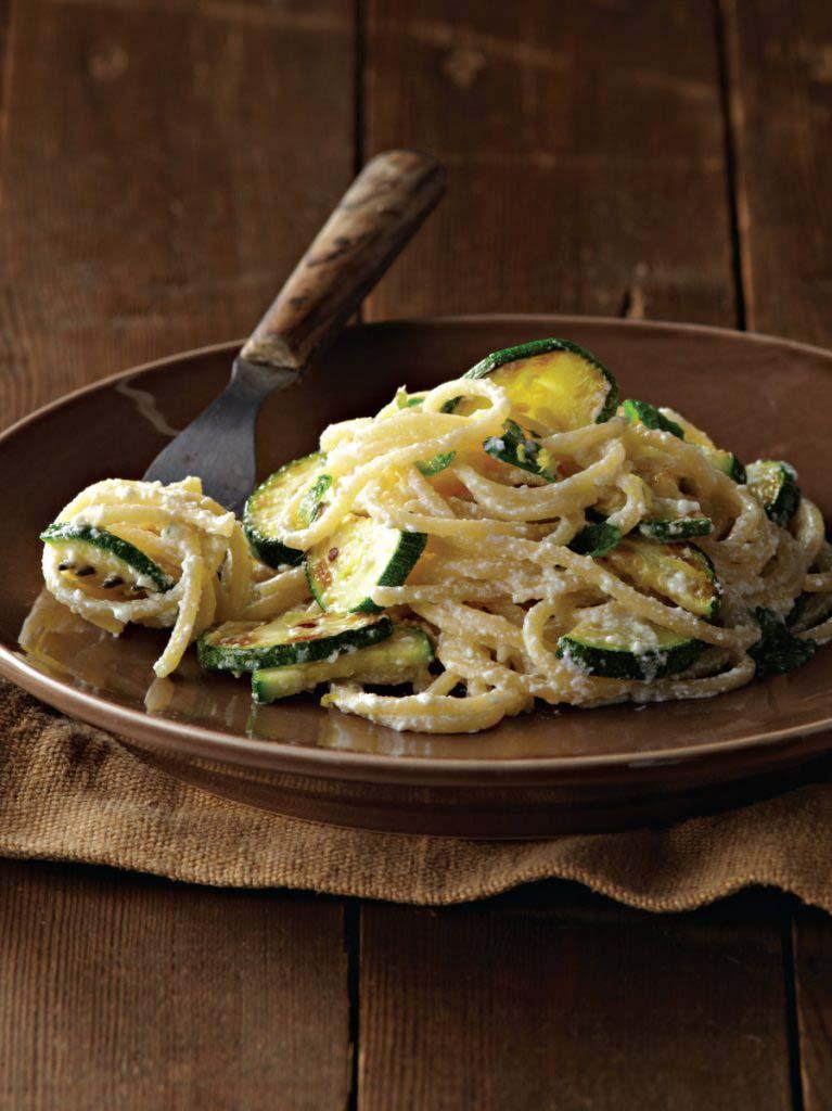 Spaghetti with Ricotta, Zucchini, Garlic, and Olive Oil - Galbani ...