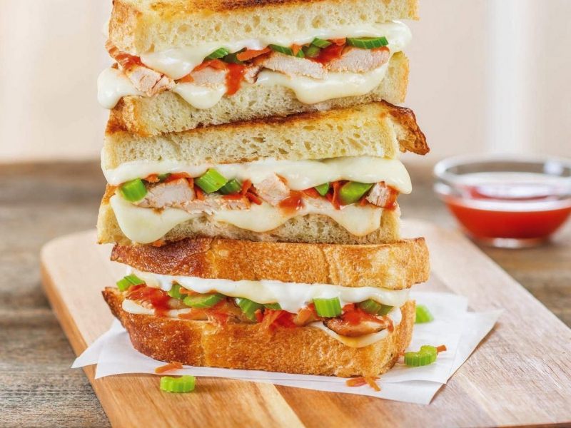 Buffalo Chicken Grilled Cheese - Galbani Cheese
