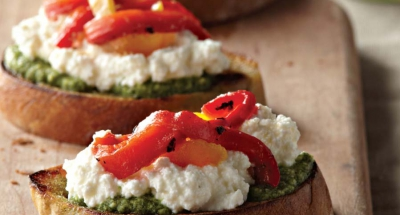 Crostini with Ricotta, Basil Pesto, and Roasted Peppers - Galbani Cheese