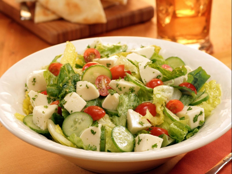 Fresh Mozzarella Romaine Salad - Galbani Cheese
