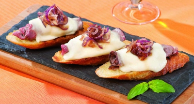 Steak and Cheese Crostini - Galbani Cheese