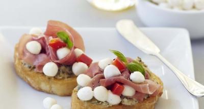 Prosciutto Crostinis - Galbani Cheese