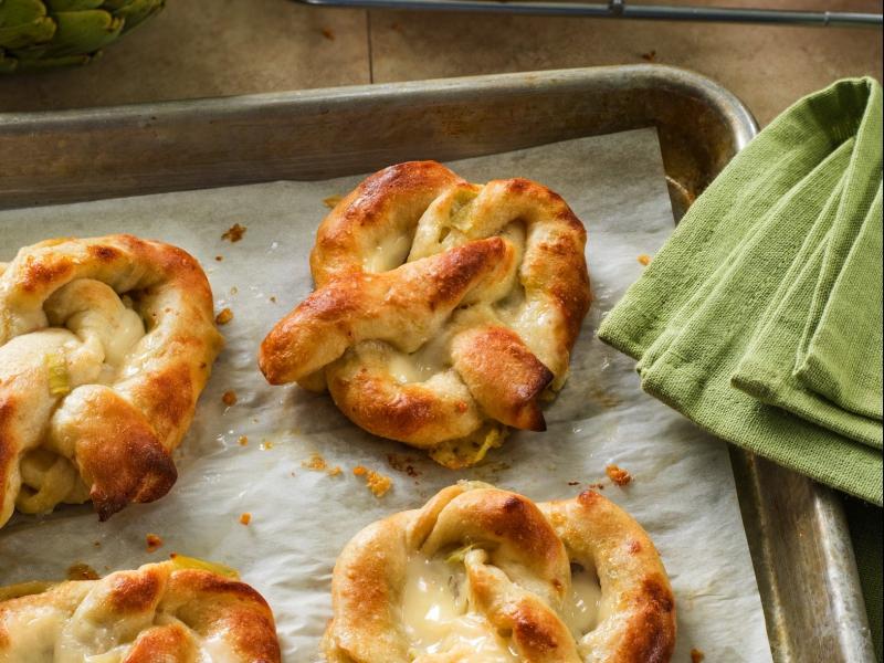 Artichoke Dip Stuffed Pretzels - Galbani Cheese
