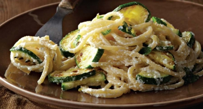 Spaghetti with Ricotta, Zucchini, Garlic, and Olive Oil - Galbani Cheese
