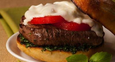 Tenderloin Caprese Sandwich - Galbani Cheese