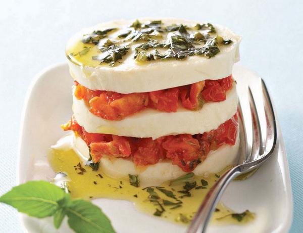 Caprese Salad with Sundried Tomatoes - Galbani Cheese