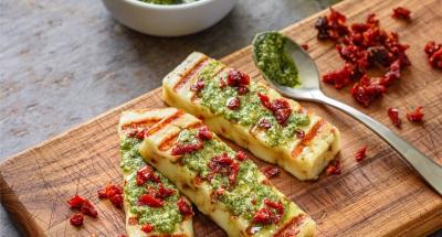 Sundried Tomato Pesto Bruschetta - Galbani Cheese
