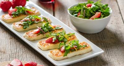 Strawberry and Arugula Salad - Galbani Cheese